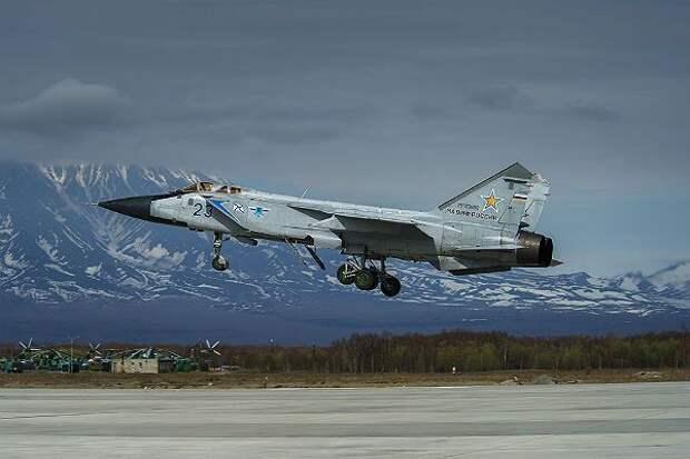 МиГ-31 перехватил бомбардировщики ВВС США над Беринговым морем