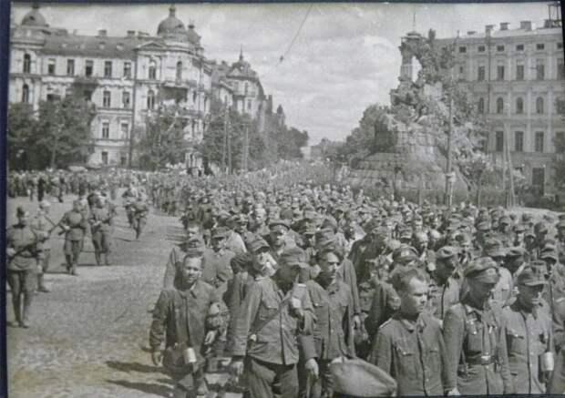 Обязательно проведём в Киеве нацистский марш!