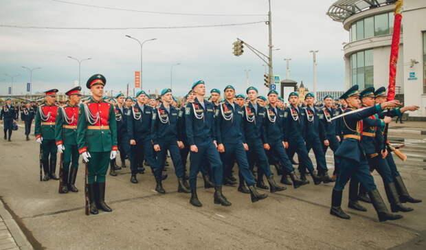 СДнём воздушно-десантных войск поздравил тюменцев глава региона