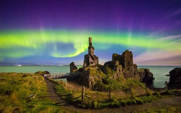 Замок Синклер-Гирнигоу, Кейтнесс, Шотландия великобритания, корональная дыра, красивые фотографии, небо, природное явление, северное сияние, шотландия