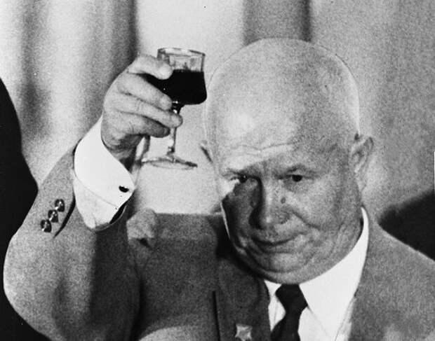 Главный секрет Никиты Хрущева: почему он никогда не пьянел