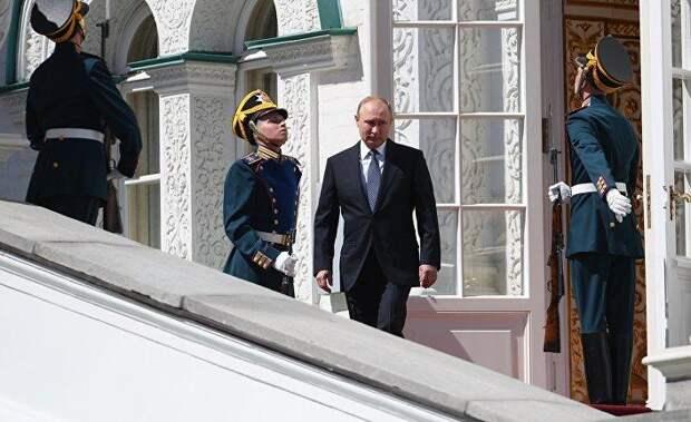 В России стало меньше тех, кто верит, что президент Путин защищает государственные интересы