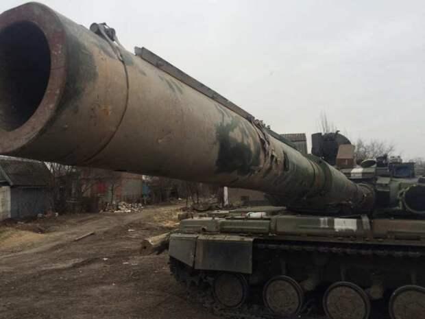 «Гвоздики» и «Акации»: ВСУ перебросили к линии фронта тяжёлую артиллерию