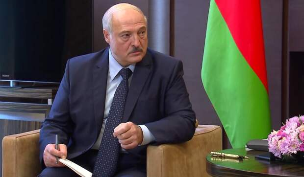 """""""Нужен постоянный внешний враг"""": эксперт Карбалевич о политике Лукашенко"""