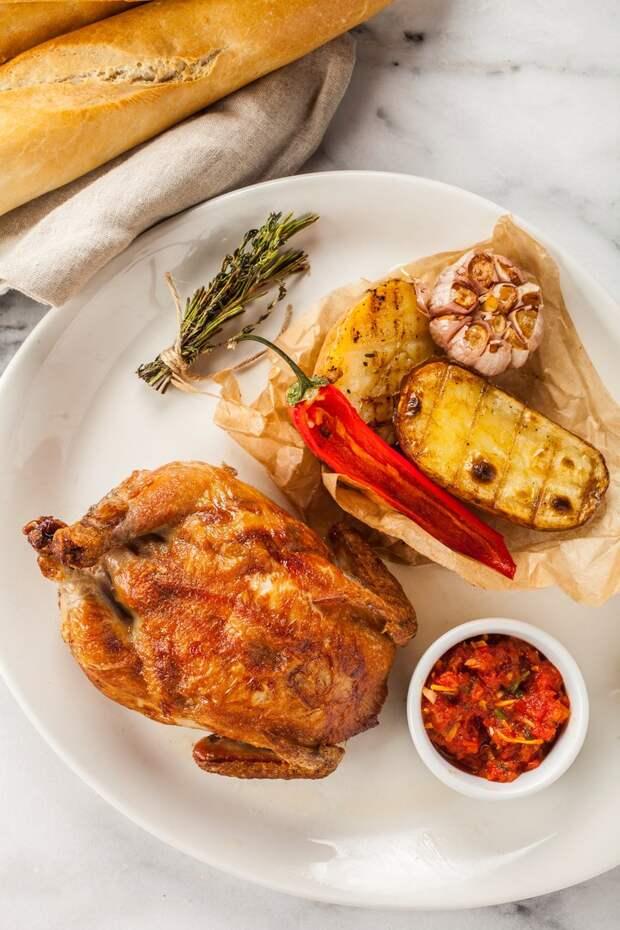 Цыпленок, фаршированный куриной кнелей и сыром моцарелла