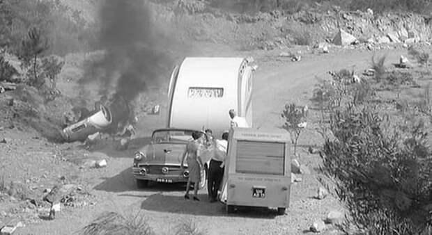 Броневик из детектиктивного фильма «Мираж» авто, автоваз, броневик, ваз 2121, кино, кинотачки, мираж, нива
