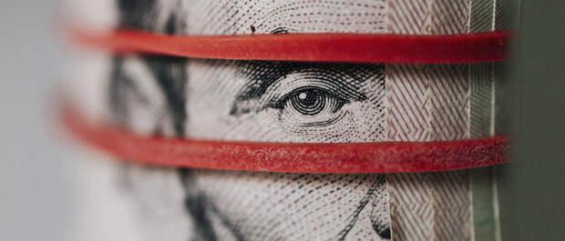 «В рубле мы видим потенциал укрепления»: экономисты о последствиях санкций