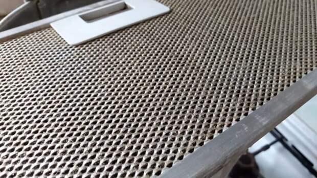 Как быстро почистить сетку вытяжки от жира