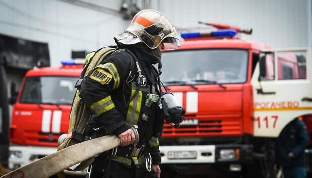 Огнеборцы потушили пожар в здании микрорайона Львовский