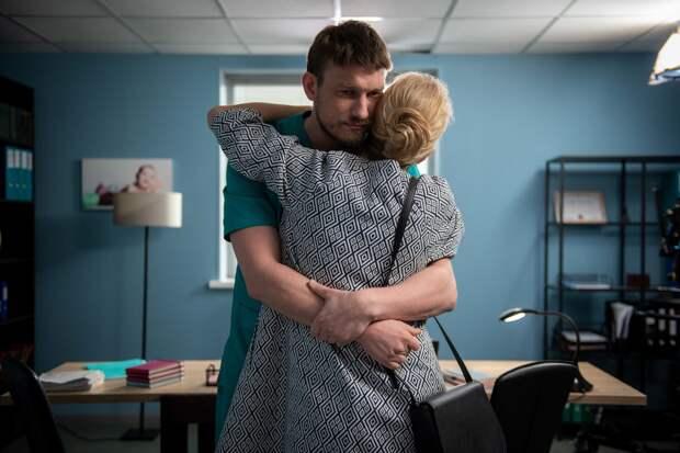 Личная жизнь Родионова, новые героини и 70 малышей: 10 фактов о новом сезоне «Женского доктора»