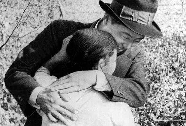 Встреча Ким Ир Сена с бабушкой в 1945 году, после освобождения Кореи
