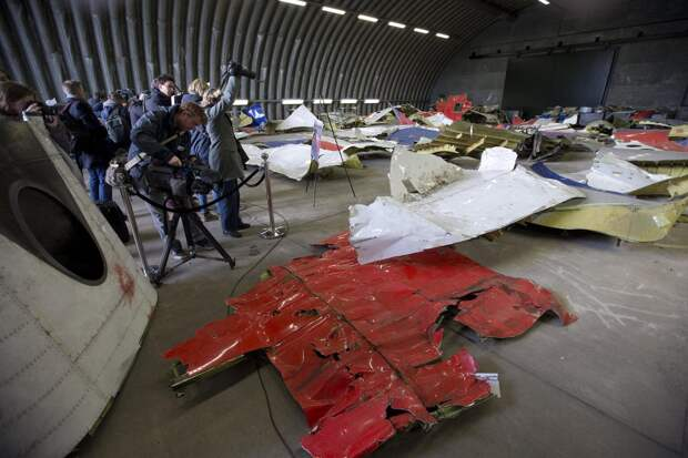 Эксклюзив в деле МН17: следователи скрывают улики, доказывающие взрыв на борту