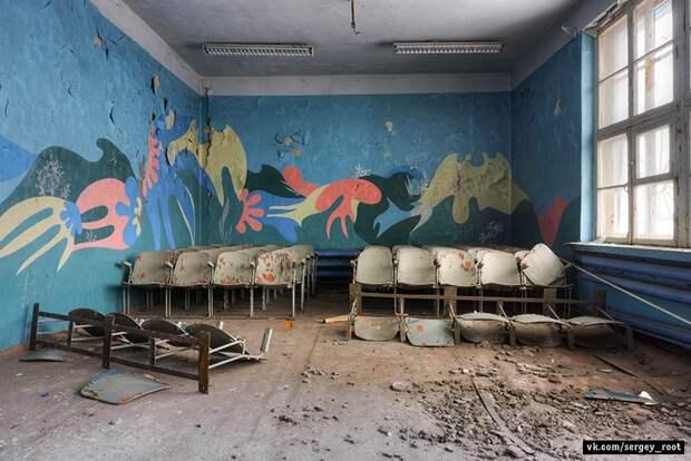Заброшенные актовые залы пионерских лагерей .
