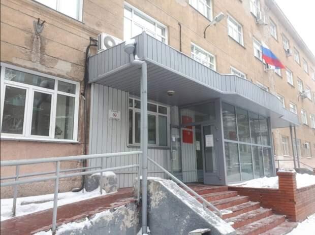 В новосибирском суде застрелили 35-летнего мужчину