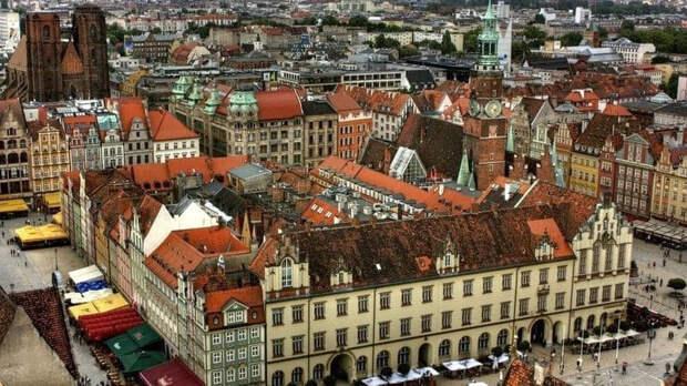 Польша постепенно отменяет локдаун