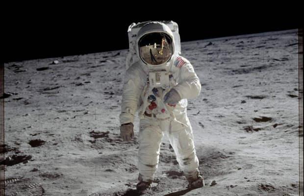 На полный обход Луны пешком требуется 91 день
