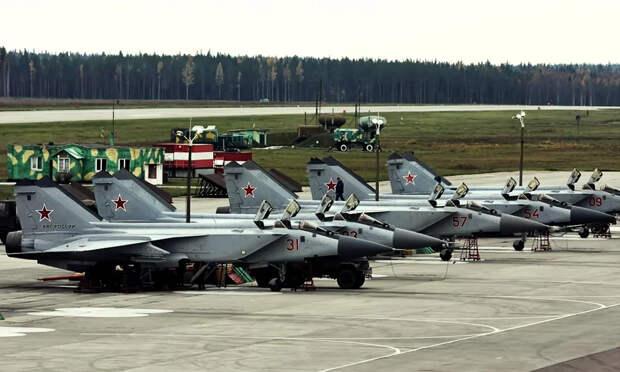 После встречи с МиГ-31БМ норвежские пилоты F-16 были подавлены настолько, что им потребовалась помощь штатного психолога