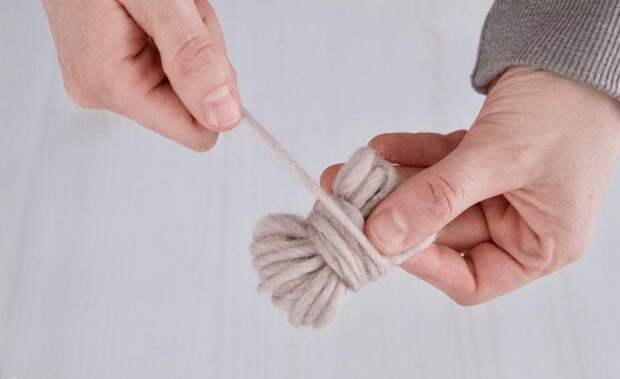 Пошаговая инструкция, как изготовить шарик для стирки.