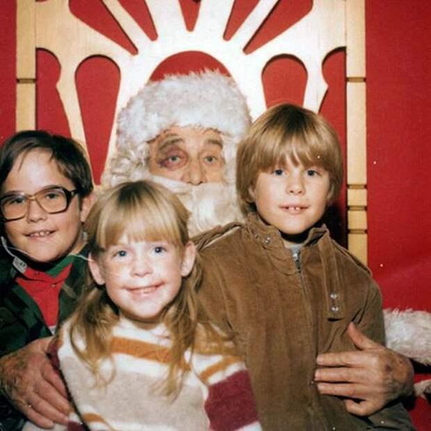 Странные семейные фото на Новый год и Рождество