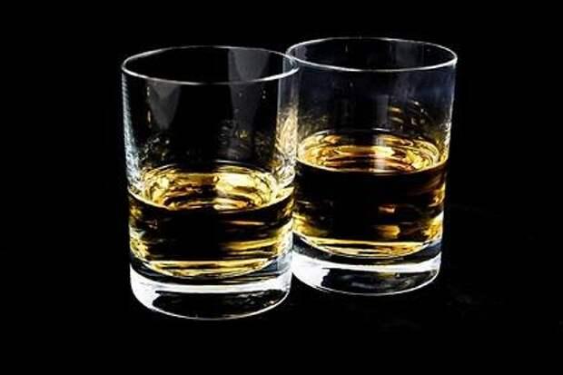 Смертельная доза: врач рассказал, что делать при алкогольном отравлении
