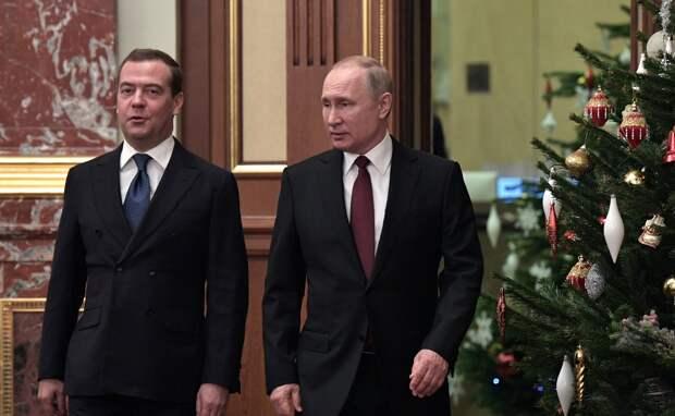 """Заговор против Путина. Три версии """"ползучего госпереворота"""""""