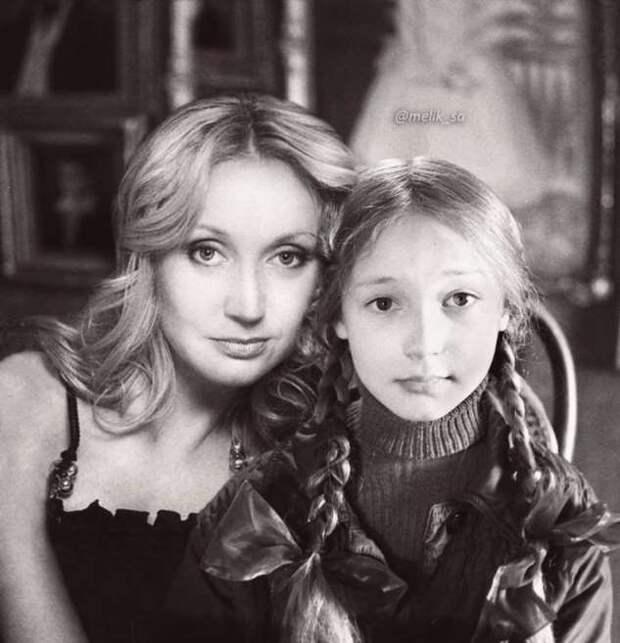 Российские знаменитости с собой молодыми