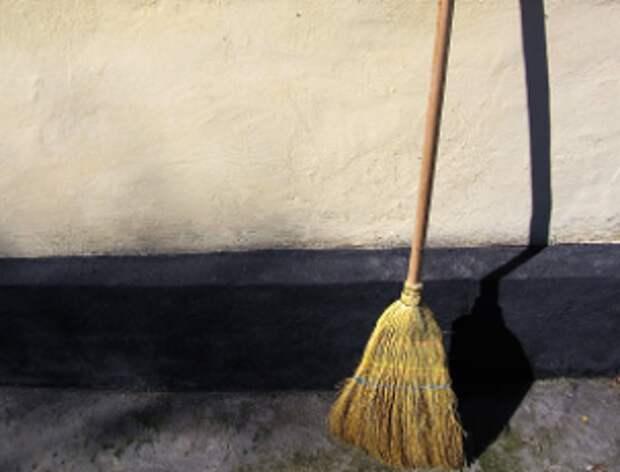На Привольной подъезд полностью очистили от грязи