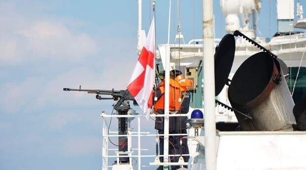 Минобороны пересмотрит регламент предупредительного огня по кораблям-нарушителям