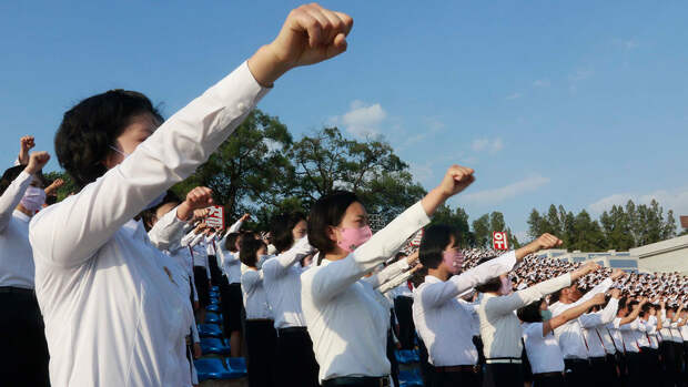 СМИ: в Северной Корее казнили десять человек за тайное использование телефонов