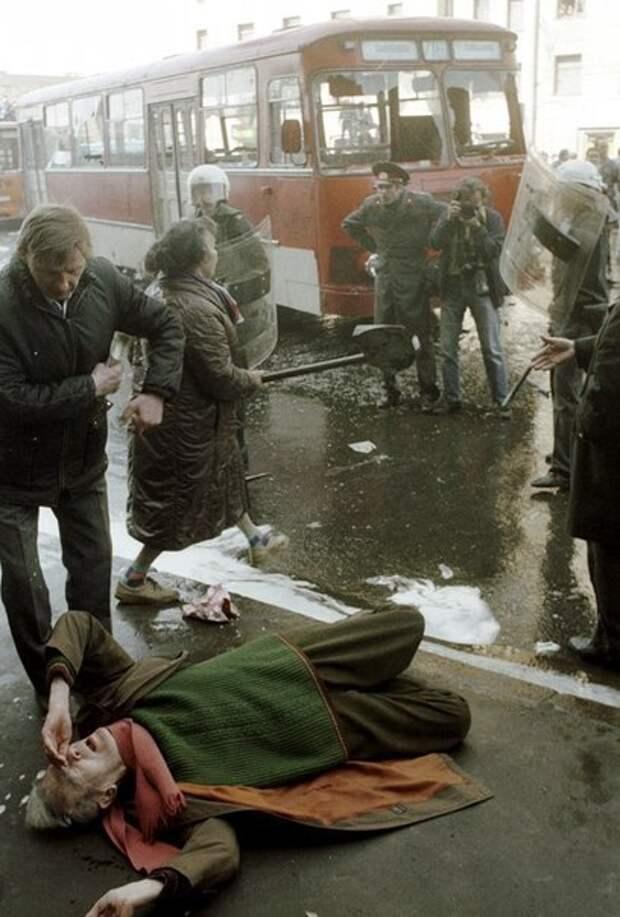 КРОВАВЫЙ ПЕРВОМАЙ 1993-го