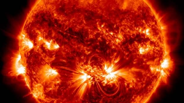 Фотограф поделился уникальными снимками Солнца