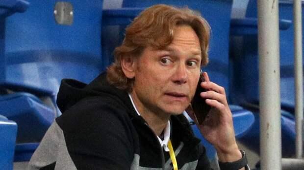 Стал известен размер зарплаты штаба Карпина в сборной России по футболу