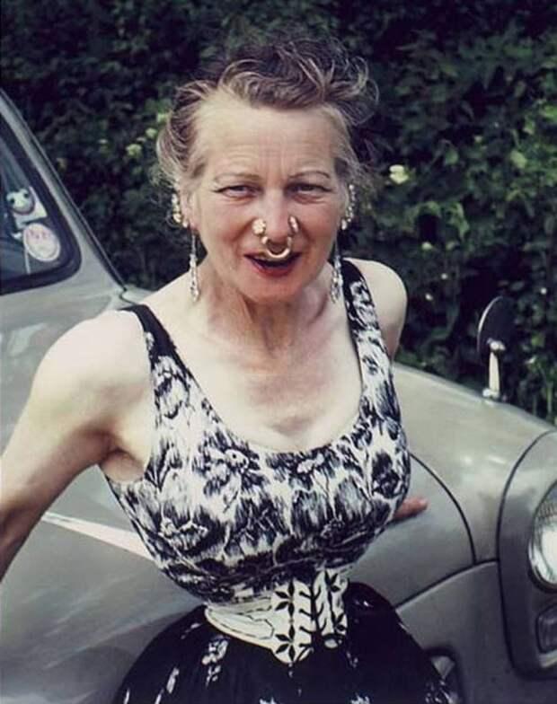 Воимя любви: женщина утянула талию до33см поприхоти мужа