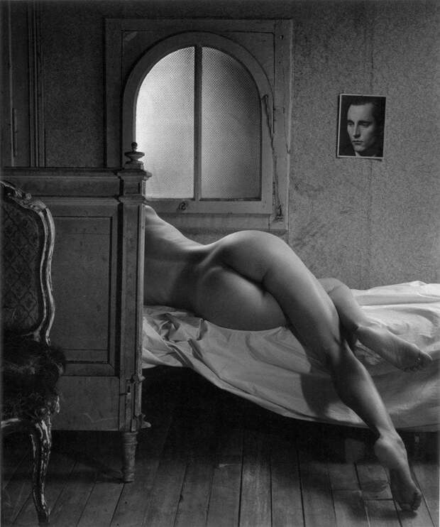 Черно-белое вдохновение или аскетичное ню Кристиана Коиньи