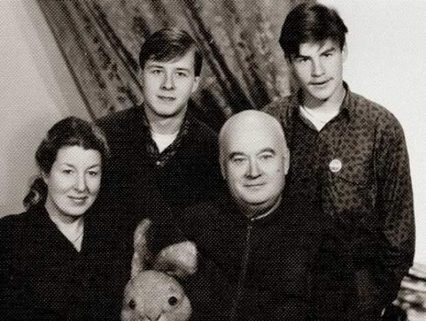 Семья Моргуновых. / Фото: www.stuki-druki.com