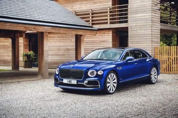 Новый Bentley Flying Spur продали за 49 миллионов рублей