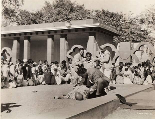 Первые секунды после убийства Махатмы Ганди. 1948 история, события, фото