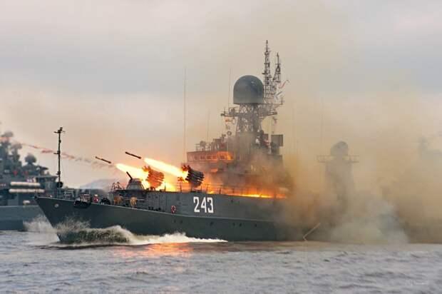 Как ВМФ РФ заставили эсминцы НАТО бежать из Баренцева моря