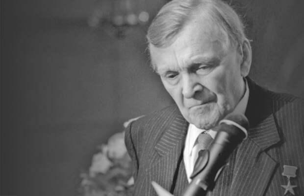 Писатель Юрий Бондарев умер в возрасте 96 лет