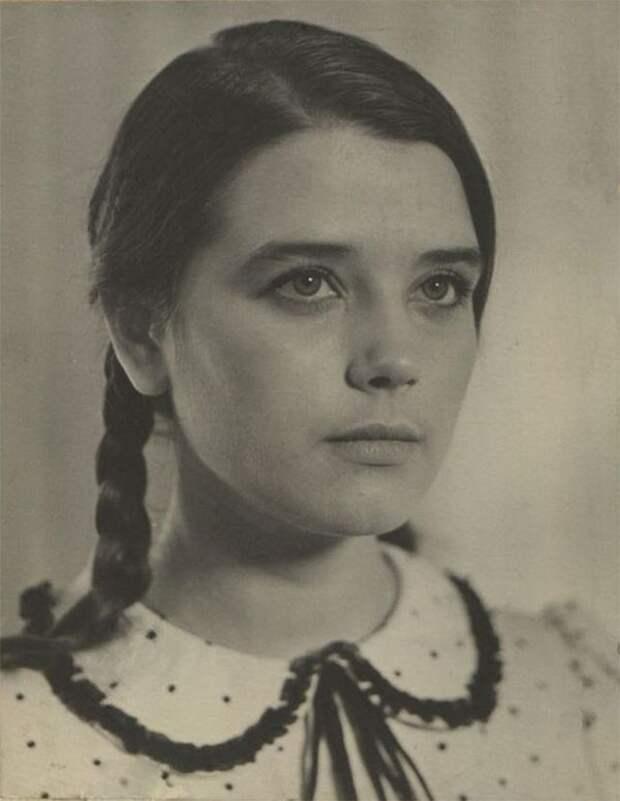 Очаровательная Ирина Алфёрова на фотографиях из архивов актрисы и её поклонников