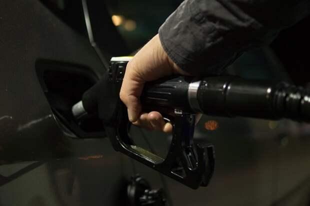 Специалисты рассказали, что делать в случае заправки авто некачественным бензином