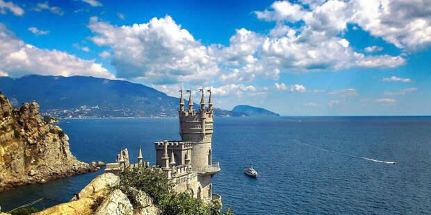 Маленьким туристам в Крым пока не попасть