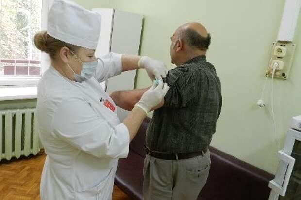 В Тамбовском областном госпитале для ветеранов войн началась вакцинация против гриппа