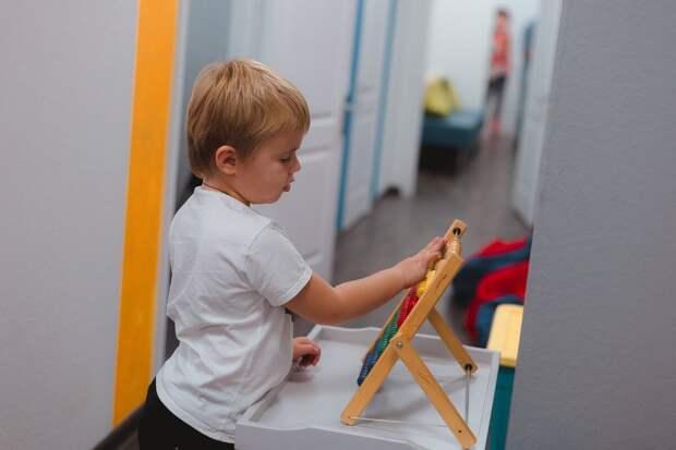 Не делайте уроки с ребенком! 5 позитивных изменений у детей, которые делают домашнее задание сами