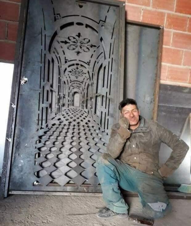Эффектная дверь с оптической иллюзией дверь, иллюзия, интересное