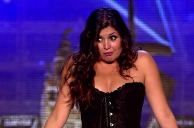 С девушки слетело платье, зал был в шоке, а один из судей упал!
