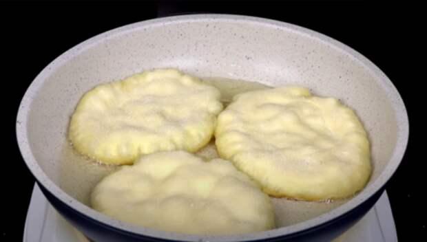 Лепешки, которым не нужно мясо, чтобы быть вкусными: готовлю и с начинкой, и без нее