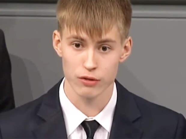 """Внутренний диалог с мальчиком из Уренгоя:""""Невинно погибшие солдаты Вермахта"""""""
