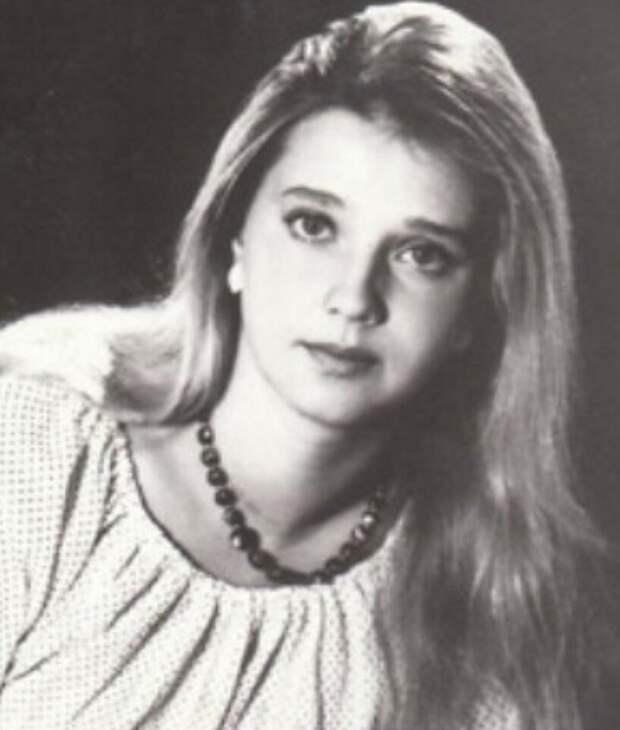 Таинственная девушка, сыгравшая странствующую артистку Марту в музыкальной сказке «Не покидай...»