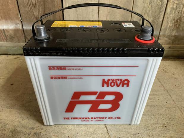 Что нужно доливать в аккумулятор – воду или электролит